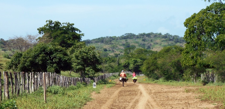 Colombian country side-cycling
