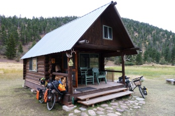 Trail-magic: Barbara and John's cabin for cyclists